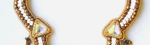 Колье из бисера и кристаллов «Кассиопея»